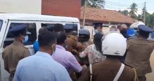 Il parlamentare Kajendren arrestato durante la commemorazione di Thileepan